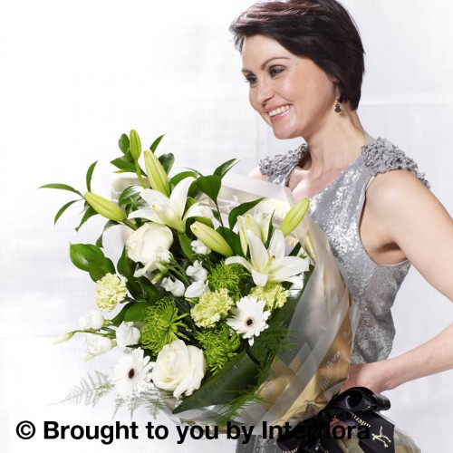 White Simplicity Presentation Bouquet product image