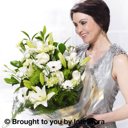 Extra Large White Simplicity Presentation Bouquet product image